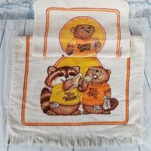 Vintage Tea Towel Washcloth Set Beaver Racoon
